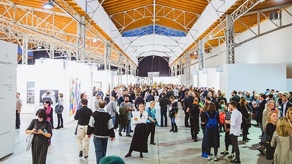 Vienna Contemporary unterstützt DANK DIR